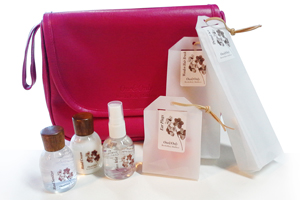 OOM_Essentials Amenity Set for Ladies Unique luxury